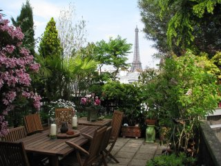 Eiffel Qi Garden apartment in 15eme - Seine with WiFi, integrated air conditioni