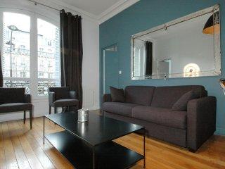 Haussmann Suite apartment in 09ème - Opéra with WiFi & lift., París