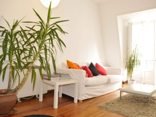 Queimada Loft apartment in Bairro Alto with private roof terrace.