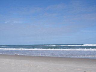 3 BEDROOMS 2.5 BATHS OCEAN VIEWS WIFI, New Smyrna Beach