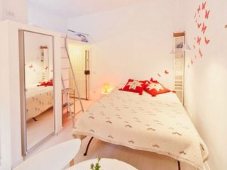 Cavour apartment in Centro Storico with WiFi., Roma