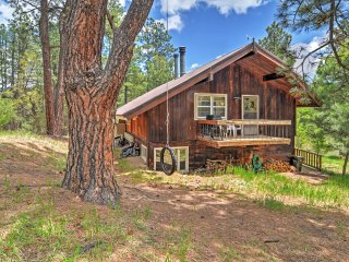 Peaceful 3BR Pendaries Mountain Cabin w/Large Deck & Tranquil Spring Lake + Golf Course Views - Near Hiking, Fly Fishing & Skiing!, Rociada