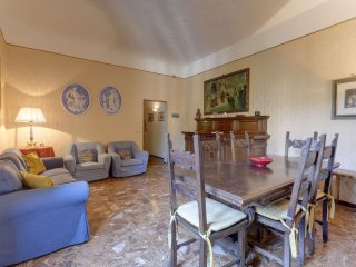 Fresco Painting apartment in Fortezza da Basso with WiFi, airconditioning & privéterras., Florencia