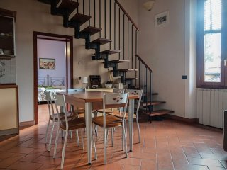 San Frediano apartment in Oltrarno with WiFi & airconditioning.