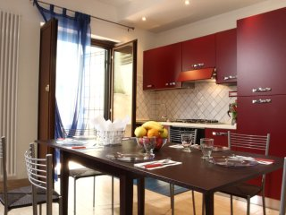 Capri apartment in Trastevere with WiFi, private terrace & lift.