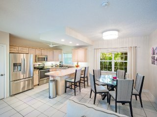 Free 7th Night Thru Aug -Regal Beach #612 - 2BR OV, Cayman Islands