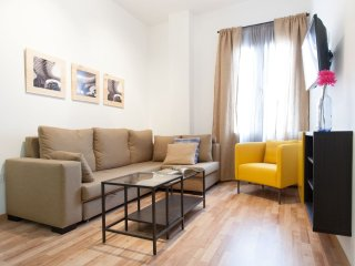 Laraña 5.2 apartment in Casco Antiguo with WiFi, air conditioning & lift.