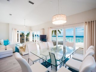 OceanFront Penthouse -Regal Beach #634 - 3BR OF, Cayman Islands