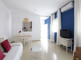 Mini Ensenada B3 apartment in Casco Antiguo with WiFi, airconditioning & lift., Seville
