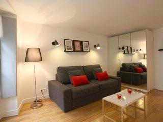 Marais St Louis apartment in 04ème - Hôtel-de-Ville - Le Marais with WiFi., Parijs