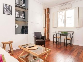 Spacious Chic Opera apartment in Opera with WiFi, airconditioning & lift.