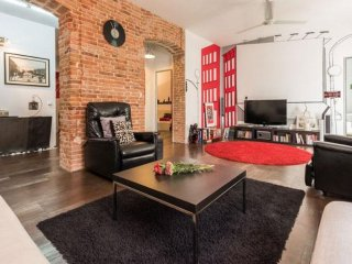 Spacious Retiro Stylish apartment in Salamanca with WiFi, airconditioning, Madrid