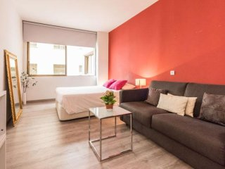 Petit La Castellana apartment in Salamanca with WiFi, airconditioning & lift.