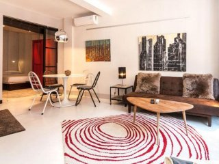 Chic Chueca apartment in Chueca with WiFi, air conditioning & lift.