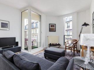 Spacious Greneta apartment in 02ème - La Bourse with WiFi, balkon & lift.