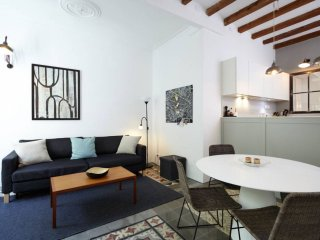 Sepulveda apartment in Eixample Esquerra with WiFi, airconditioning, balkon, Barcellona