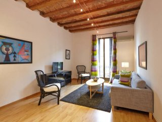 Sant Joan Valencia apartment in Eixample Dreta with WiFi, airconditioning