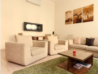 Opera Suite apartment in VI Terezvaros with WiFi, air conditioning & lift.