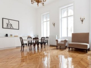 Grand Opera apartment in VI Terezvaros with WiFi, air conditioning & lift.