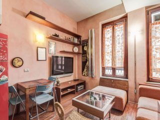 Testaccio 2 apartment in Testaccio-Piramide with WiFi & lift., Rome