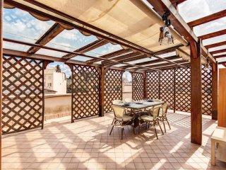 Terrace Dream apartment in San Giovanni with WiFi & privéterras., Rome
