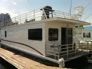 Houseboat Capricornus:  Amazing On Water Experience with HUGE Roofdeck!, Boston