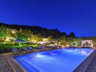 5 bedroom Villa in Santa Eulalia del Rio, Balearic Islands, Spain - 5047889