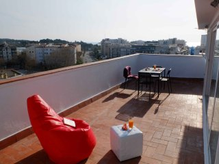 Tranquil and Convenient Apartment with big terrace, Vilanova i la Geltru