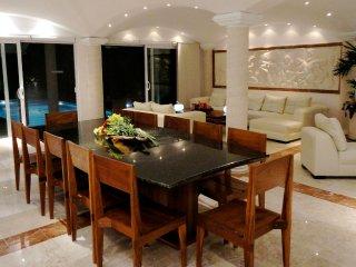 Luxury Golf Course Villa 8 Pax Casa Jaguar by KVR, Puerto Aventuras