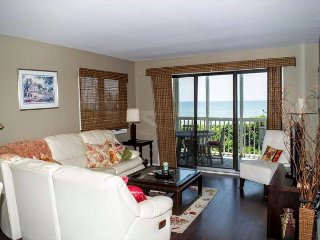 Recently Renovated Oceanfront Condo in Beacon's Reach!, Pine Knoll Shores