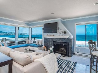 3728 Surf and Sand Sanctuary - Ocean Front Condo with Amazing Views!, Monterrey