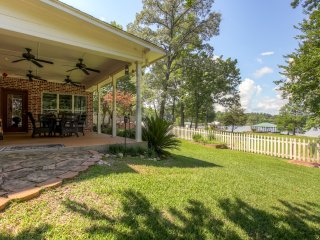 You'll love playing yard games in the fully fenced backyard!