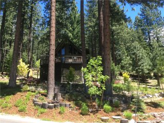 Charming Tahoe Home Nestled in the Pine Trees with a Private Hot Tub (MY69), South Lake Tahoe