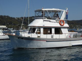 Hawkesbury Pittwater Houseboat Cruiser Hire, Newport
