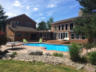 Amazing Luxury Estate with Private heated Pool, Long Pond