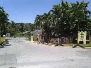 """Three Little Birds - St Mary Country Club"", Ocho Rios"