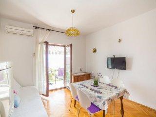 Apartment with sea view, Kastel Kambelovac