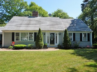 48 Oak Hill Road, Hyannis