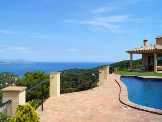 Private Villa with Panoramic sea Views, Begur