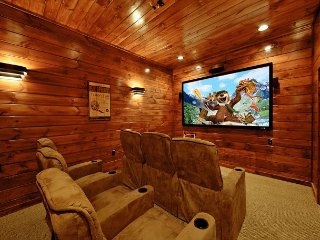3 Bedroom Gatlinburg Cabin with Home Theater Room