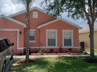 Coral Sands Villa 3BR 3BA Pool Near Disney 9 guest
