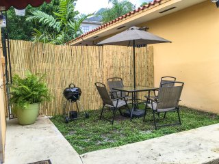 Beautiful spacious and well located 1 bedroom., Miami