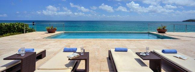 Villa La Vie En Bleu  :: Beach Front :: Located in  Magnificent Terres Basses wi