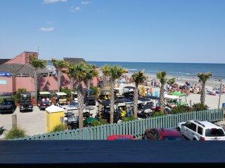 Ocean Front Myrtle Beach Condo. 2 Br 2 Bath. Free Wi-Fi Free Parking