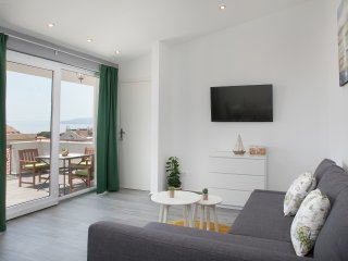 Sea & Mountain View, 4 Star, Olive Themed, New, Makarska