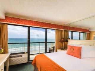 Myrtle Beach : One-Bedroom Oceanfront Villa
