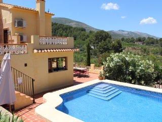 last minut booking luxery Villa El Paraiso