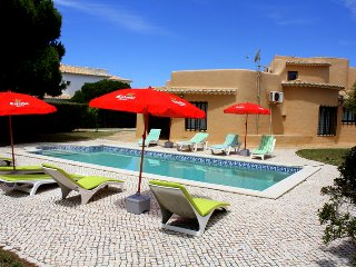 """Villa Teresa"" has 4 or 5 bedrooms with a large pool and walk to the beach !, Lagos"