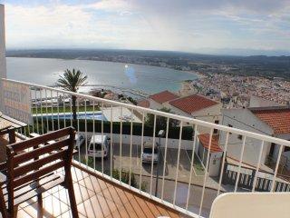 C23 - Adosada con vistas al mar, piscina y tenis, Roses
