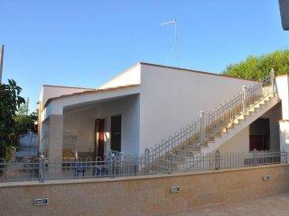 SPECCHIARICA: Villa sulla spiaggia nel Salento, San Pietro in Bevagna